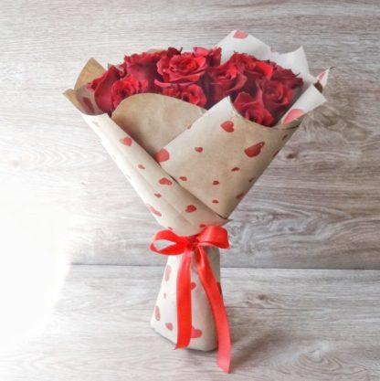 15 красных роз Эксплоуэр