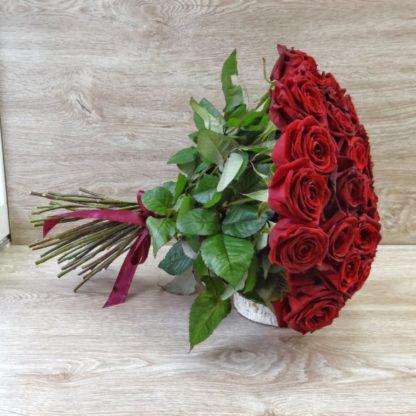 Купить 51 розу в Челябинске с доставкой