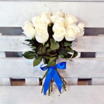 15 белых роз Мондиаль