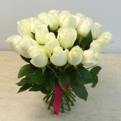 25 белых роз Мондиаль