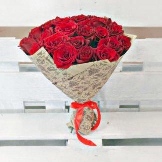 35 красных роз