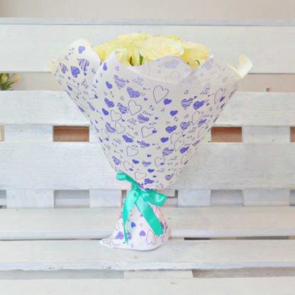 Купить 35 белых роз в Челябинске дешево