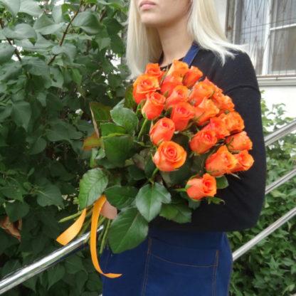 Купить 25 оранжевых роз в Челябинске дешево
