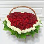 Корзина из 125 роз