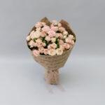Букет из нежно-розовых кустовых роз