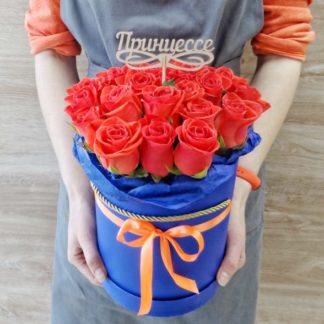 21 роза Вау в шляпной коробке