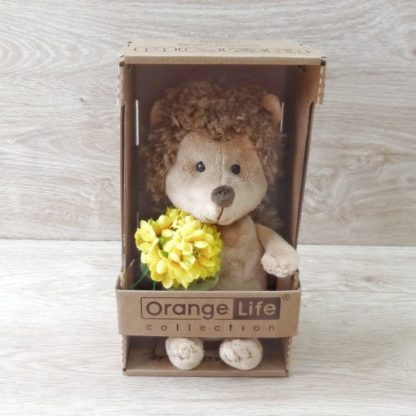 Ёжик Колючник с желтым цветком
