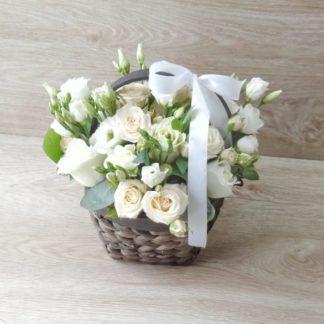 mini buket v korzine 1 3 324x324 - Доставка цветов в Челябинске