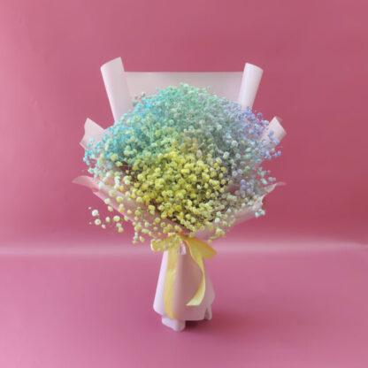 Букет из разноцветной гипсофилы