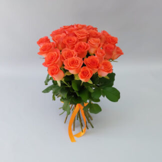 25 оранжевых роз